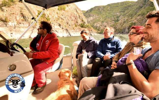con-perro-en-barco